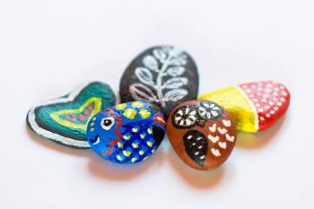 Maloavné kameny - magnetky na ledničku.